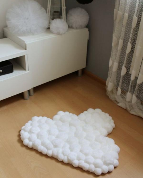 Cute-and-Creative-DIY-Pom-Pom-Craft-Ideas
