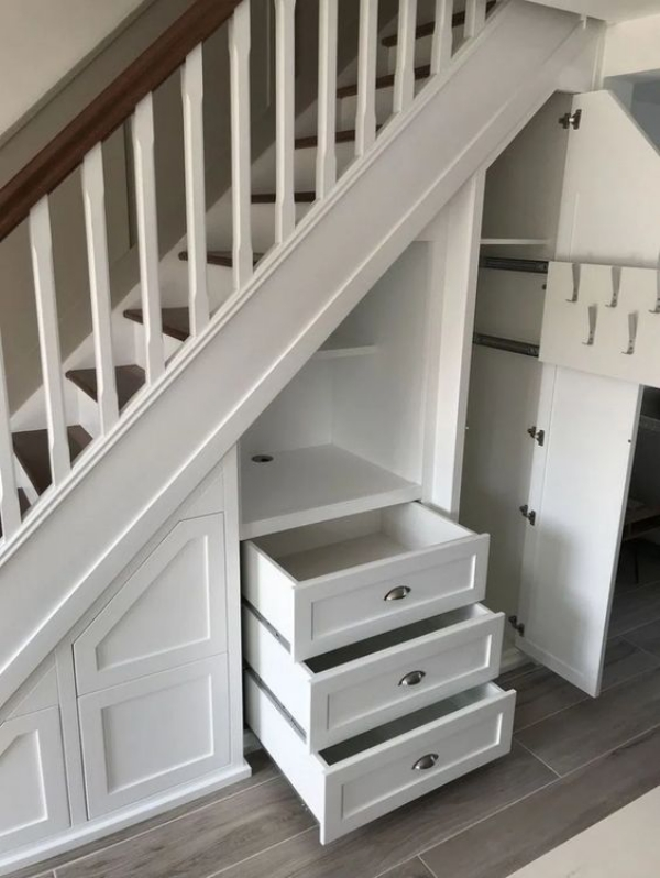 Ingenius-Under-The-Stairs-Employment-Ideas