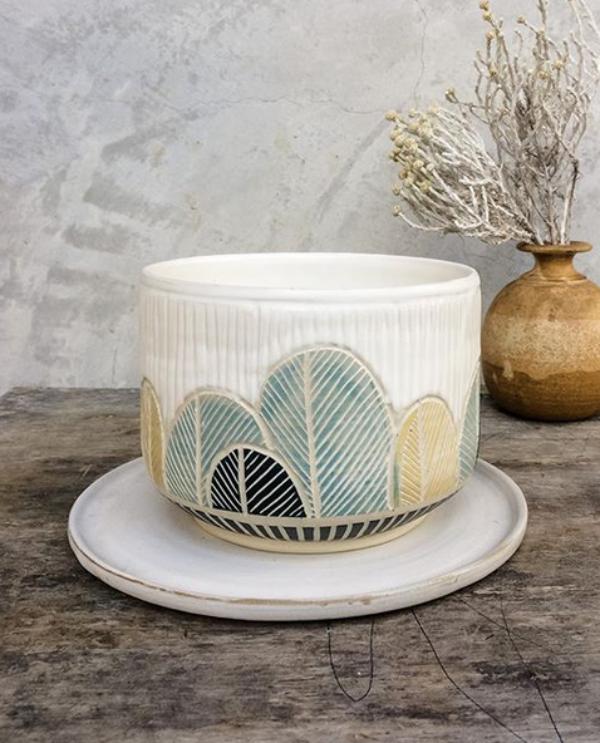 Sgraffito-Ceramic-Pottery-Designs-and-Ideas