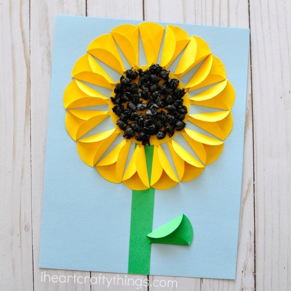 Easy-and-Fun-Paper-Crafts-to-Keep-Kids-Busy